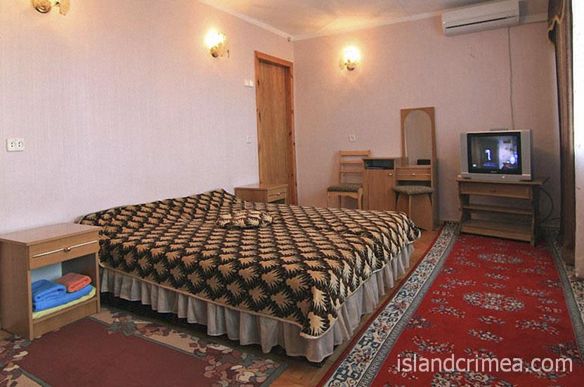"""Санаторий """"Орен-Крым"""", двухкомнатный полулюкс, спальня"""