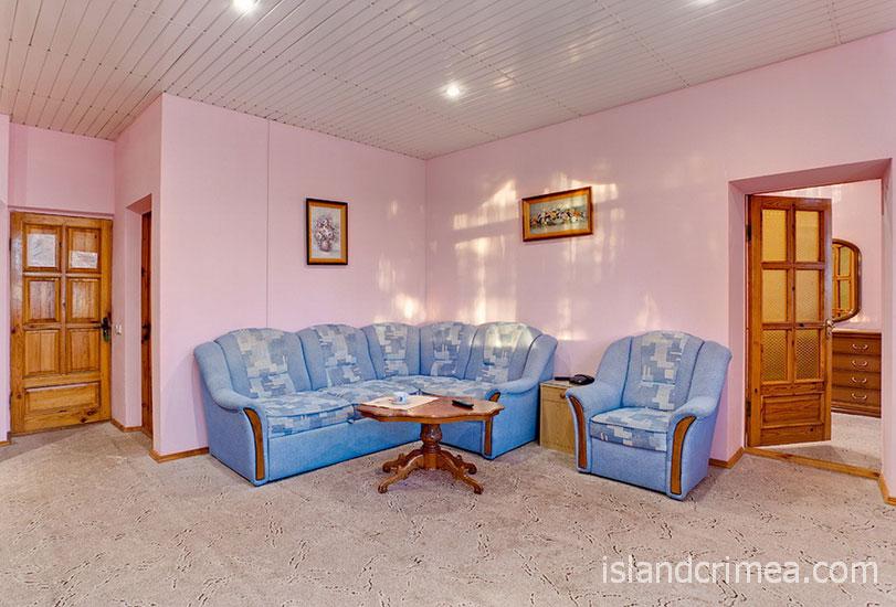 "Санаторий ""Полтава"", корпус 4, номер люкс с видом на море"