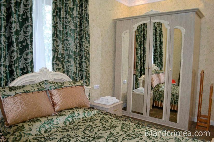 """Санаторий """"Родина"""", люкс № 11, спальня, корпус 1"""