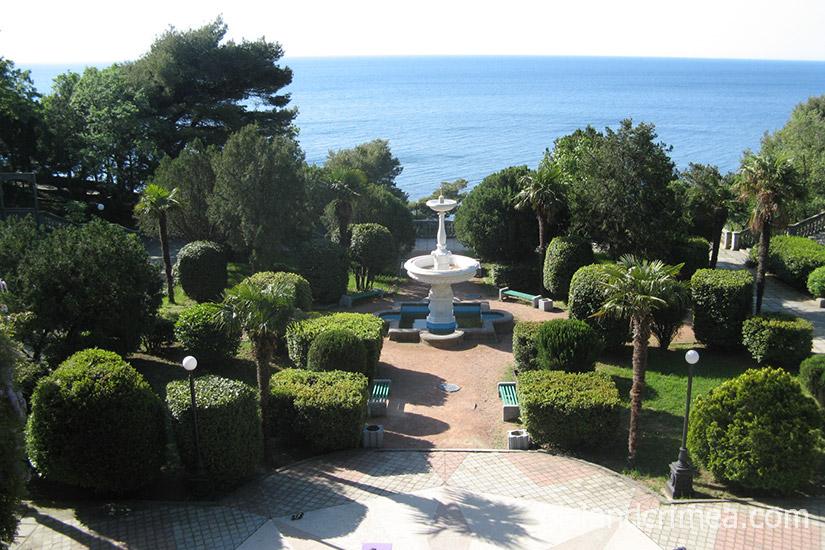 """Санаторий """"Родина"""", вид на парк и море"""