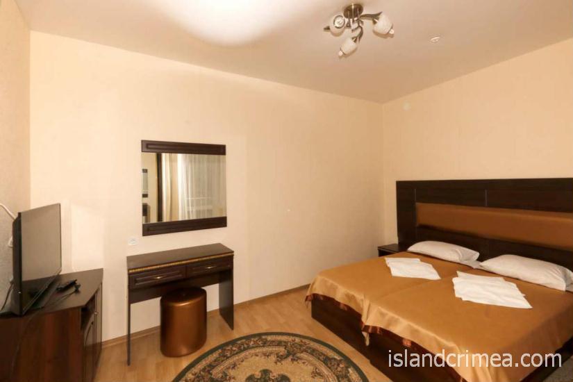 """Санаторий """"Узбекистан"""", 2-комнатный 2-местный люкс, спальня, корпус 7"""