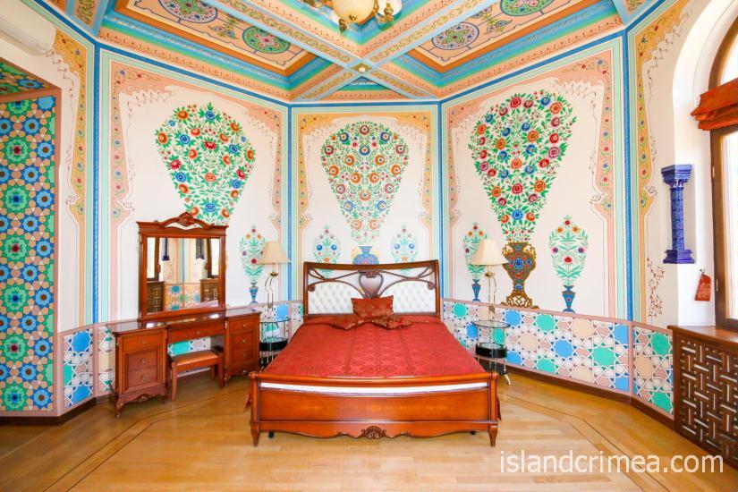 """Санаторий """"Узбекистан"""", 4-местные апартаменты, первая спальня, 1 этаж, корпус 1"""