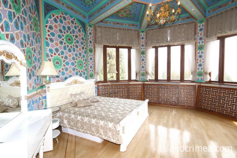 """Санаторий """"Узбекистан"""", 4-местные апартаменты, первая спальня, 2 этаж, корпус 1"""