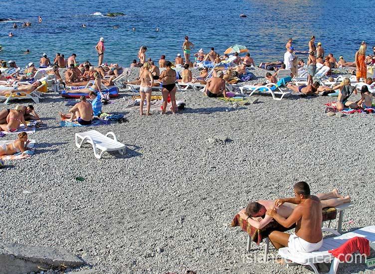 Городской ялтинский пляж