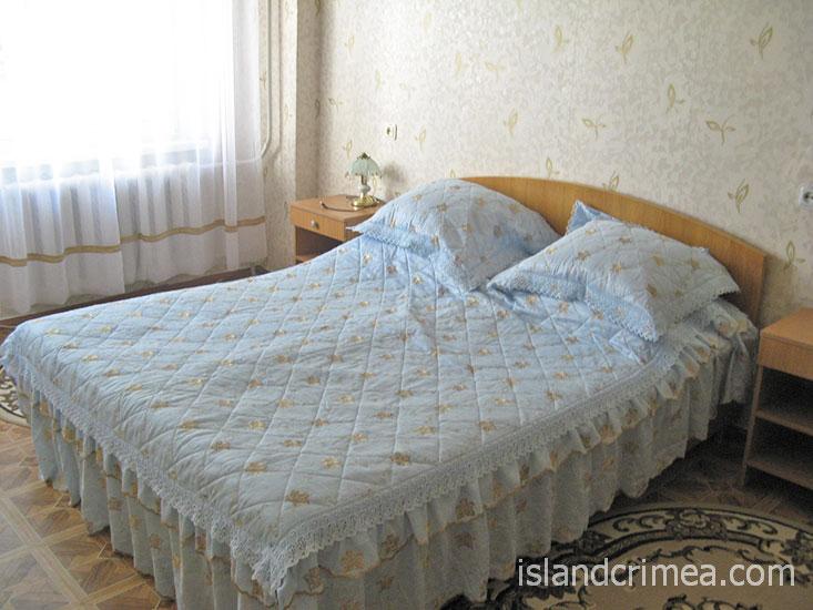 """Санаторий """"Здравница"""", двухкомнатный номер, спальня"""