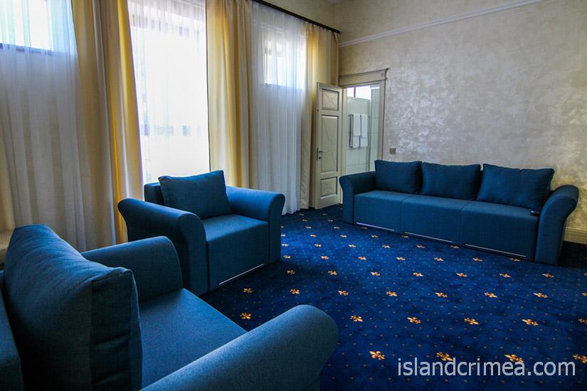 """Санаторий """"Сосновая роща"""", suite 3 SV, гостиная"""