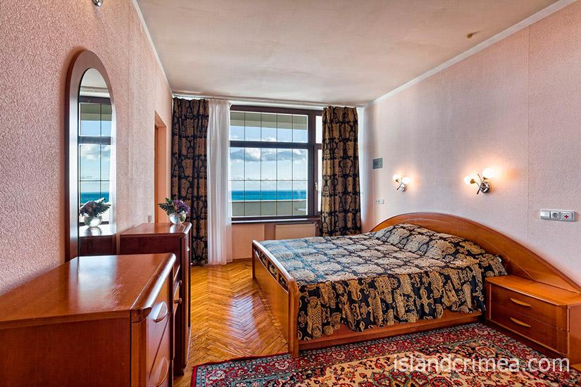 """Санаторий """"Сосновая роща"""", suite 2, спальня"""