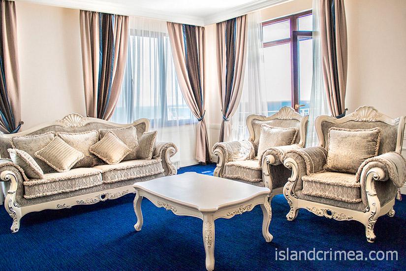"""Санаторий """"Сосновая роща"""", Senior Suite, гостиная"""