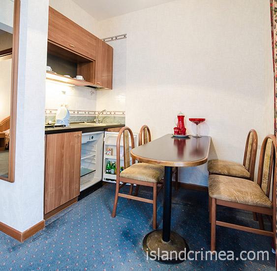 """Санаторий """"Сосновая роща"""", apartments small, в гостиной"""