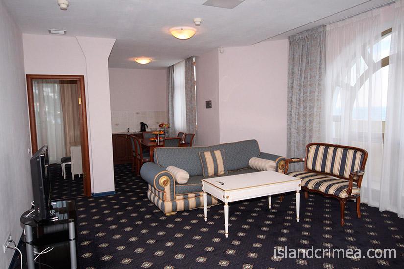 """Санаторий """"Сосновая роща"""", apartments VIP, гостиная"""