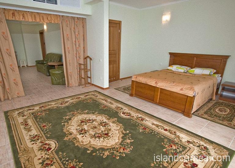 """SPA-отель """"Ливадийский"""", 2-х комн. люкс, спальня."""