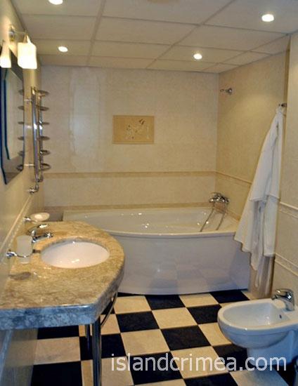 """SPA-отель """"Ливадийский"""", 2-х комн. люкс, ванная."""