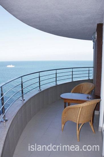 """SPA-отель """"Ливадийский"""", балкон в номере люкс."""