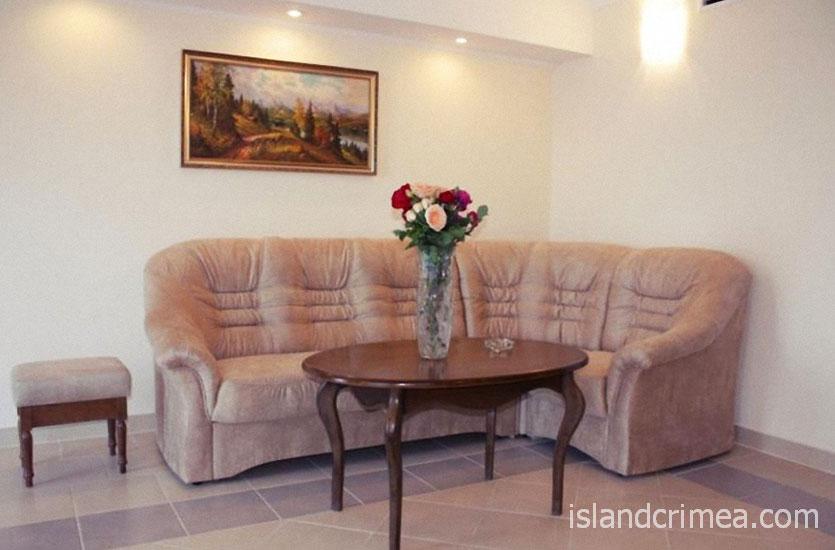"""SPA-отель """"Ливадийский"""", 2-х комн. люкс комфорт, гостиная."""