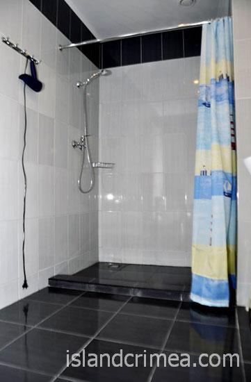 """SPA-отель """"Ливадийский"""", стандарт эконом, душ."""