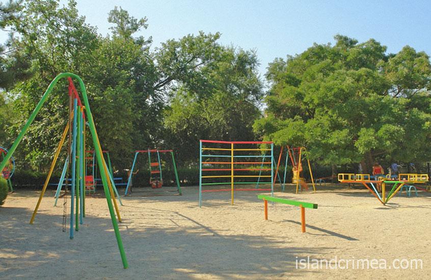 """Туристско-оздоровительный комплекс """"Евпатория"""", детская площадка"""