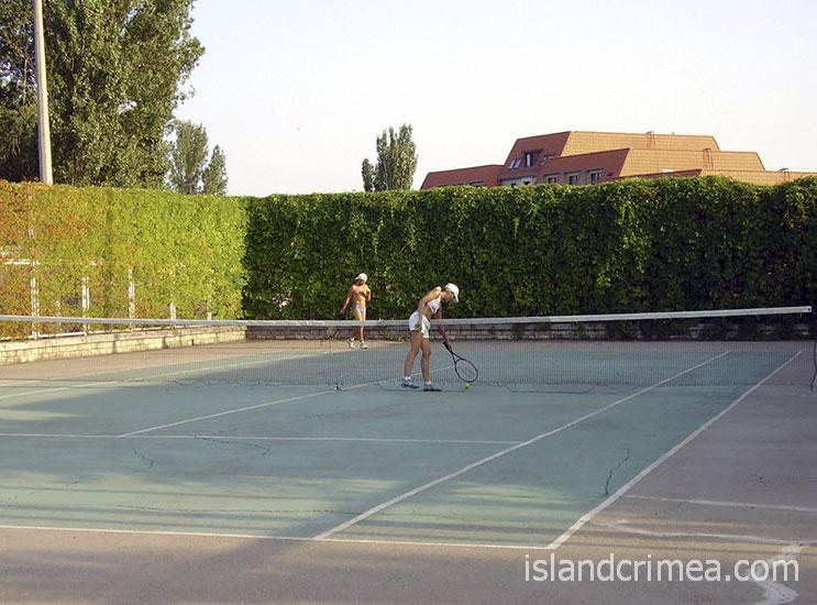 """ТОСК """"Приморье"""", теннисный корт"""