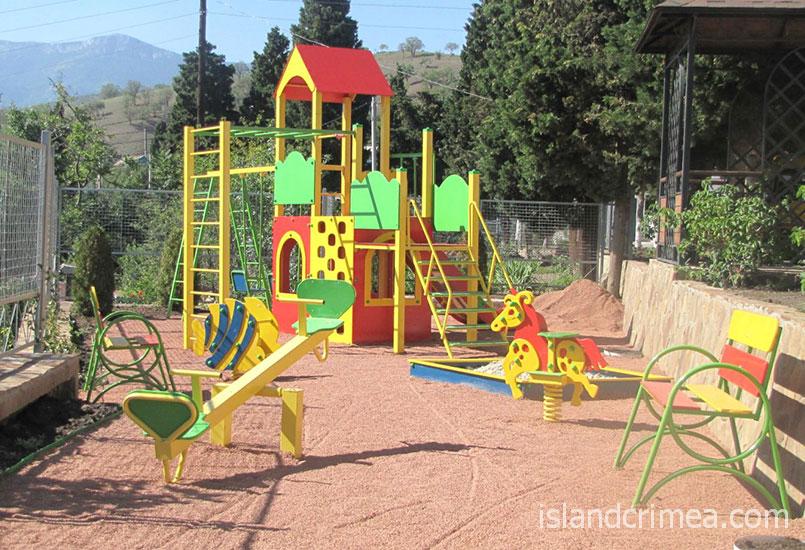 """Вилла """"Арго"""", детская площадка."""