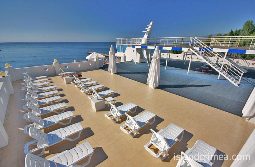 """Вилла """"Арго"""", VIP пляж в развлекательном центре."""